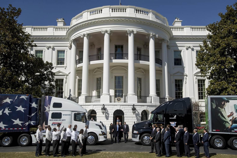 170323-trump-trucks-white-house-1120a_49bcb663cf7097747b5ea494b5f68465.nbcnews-ux-2880-1000