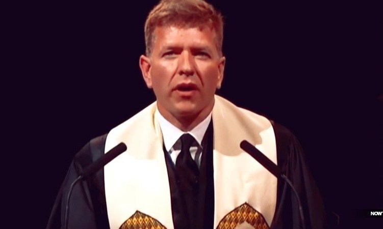 baylor-graduation-2019-baptist-pastor-dan-freemeyer-benediction-prayer-deliver-us-from-straight-white-men-climate-change-4190968804-1558732857740